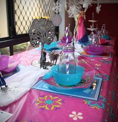 Frozen purple pink party theme package for boys and girls in Perth, WA