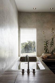 Osiris Hertman - Tropical Retreat - Hoog ■ Exclusieve woon- en tuin inspiratie.