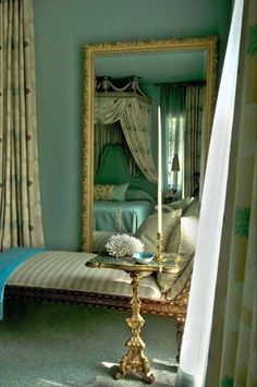 ♜ Shabby Castle Chic ♜ rich and gorgeous home decor - chaise