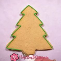 Time to trim the tree with loops and swirls! Watch and learn how to decorate this whimsical tree!!