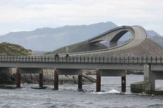 One Of The Most Amazing Road Trips In The World is The Atlantic Road Through Norway. The 260 metre long cantilevered 'Storseisundet Bridge' is the longest and Atlantic Road Norway, Atlantic Ocean, Toyama, Scary Bridges, Lake Pontchartrain, Alaska, Dangerous Roads, Beautiful Roads, Beautiful Places