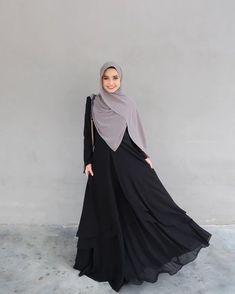 Dah ready dahhh this week? ❤️❤️❤️❤️❤️ Cuba like banyak-banyak dan komen dekat bawah 👇🏻 Abaya Fashion, Muslim Fashion, Modest Fashion, Fashion Outfits, Batik Fashion, Dress Fashion, Hijab Gown, Hijab Style Dress, Casual Hijab Outfit