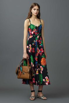 Valentino Is the Latest Brand to Take Inspiration From Cuba. It made for a rich and colorful resort 2017 collection, filled with tropical motifs.