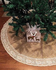 Burlap and Lace Christmas Tree Skirt, 60 inches diameter, christmas decor, tree skirt, lace,