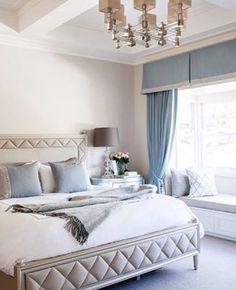 喜歡Caracole床組在這美國居家案例的配置,運用菱格紋的繃布床板,帶出時尚的蓬鬆視覺印象,搭配深深淺淺的白色與藍色織品,就像是舒適宜人的飯店享受。 迷人的Caracole-Pillow Talke床組, 兩種尺寸選擇(5*6.7 / 6*7)