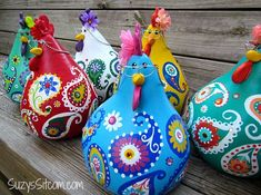 chickens gourd art paisley painted gourds by SuzysSitcomStore Crafts To Make, Easy Crafts, Crafts For Kids, Arts And Crafts, Chicken Crafts, Chicken Art, Paisley, Mexican Crafts, Painted Gourds