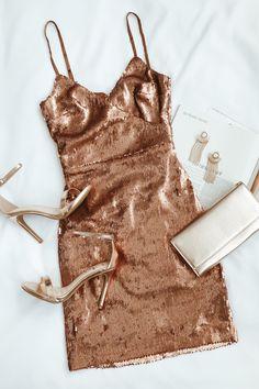 Glisten to Me Copper Sequin Surplice Mini Dress Check more at moda. Glisten to Me Copper Sequin Surplice Mini Dress Check more at moda. Hoco Dresses, Pretty Dresses, Beautiful Dresses, Awesome Dresses, Tight Dresses, Casual Dresses, Look Fashion, Fashion Outfits, Dress Fashion