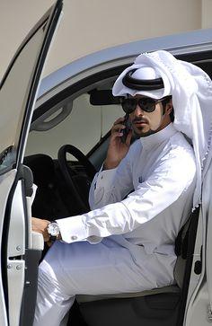 If I ruled the world everyone would understand how beautiful the Arab culture… Arab Men Dress, Arab Fashion, Mens Fashion, Dubai Fashion, Gorgeous Men, Beautiful People, Middle Eastern Men, Arab Swag, Handsome Arab Men