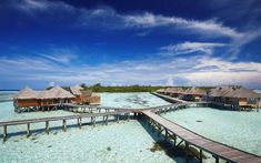 Escape to Gili Lankanfushi in the Maldives with our guide to the luxe destination. Plus, shop vacation pieces by Dos Gardenias, Lola Hats and John Dalia. Bungalows, Maldives Resort, Maldives Travel, Monte Roraima, Gili Lankanfushi, Beyond The Sea, Sustainable Tourism, Landscape Wallpaper, Island Resort