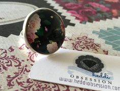 Floral cameo ring by heddiObsession on Etsy