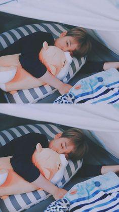 Jimin being adorable Bts Jimin, Bts Bangtan Boy, Park Ji Min, K Pop, Vmin, Foto Bts, Mochi, Park Jimin Cute, Les Bts