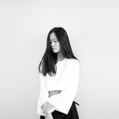Chic white top, minimal fashion, understated style // Maria Van Nguyen
