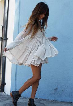LoLoBu - Women look, Fashion and Style Ideas and Inspiration, Dress and Skirt Look Boho Mode, Mode Hippie, Mode Chic, Mode Style, Look Boho Chic, Bohemian Style, White Bohemian, Style Outfits, Mode Outfits