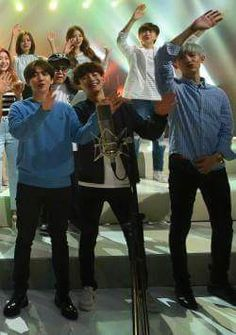 Chanyeol's shirt was short so he had to pull it down all the time... 1/3 BAEKYEOL OMFG