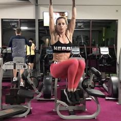 "1,196 Likes, 68 Comments - Melissa Machale (@melissa_machale) on Instagram: ""Ab workout: 1️⃣Reverse Rowing Machine Tucks 2️⃣Kneeling Cable Rope Crunches 3️⃣Hanging Alternating…"""