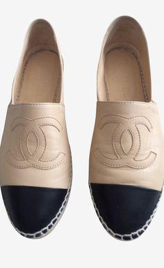 Chanel Beige And Black Flat   VAUNTE