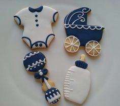 Biscoitos amanteigados decorados artesanalmente com glacê real. <br> <br>Embalados individualmente em saquinho de celofane com fita de cetim. <br> <br>Validade: 20 dias se permanecerem bem embalados. <br> <br>FAZEMOS OUTROS TEMAS! <br>ENVIAMOS VIA CORREIOS