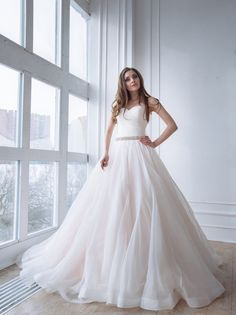 Jordan Lined Tulle Bridal Skirt by Rebecca Schoneveld Since this is the month of fairytale inspiration on SBB, I couldn't let it go by without talking ballgowns! Because when you think of a p…