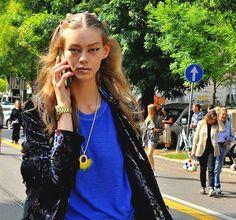 #OndriaHardin with her runway  #makeup still on after the #Fendi  #fashionshow #milanfashionweek #mfw16 #springsummer2017 #fashion #fashionable #fashiondiaries #fashiongram #fashionista #fashionpost #fashionweek #instafashion #italianfashion #look #lookbook #lookoftheday #mfw #Milano #outfit #streetstyle #street #streetfashion #ss17 #modeloffduty #model  #fashionmodel  #topmodel