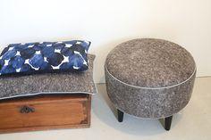 pouf et coussin en feutre de laine Textiles, Ottoman, Creations, Chair, Furniture, Home Decor, Objects, Decoration Home, Room Decor