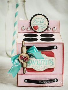Adorable oven cupcake box