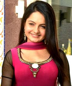 What is the real name of meera from serial sath nibhana sathiya