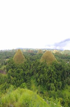 The Chocolate Hills are a very strange geological formation with more than 1000 cone-shaped hills. How to get to the Chocolate Hills Chocolate Hills, Bohol Philippines, Backpacking, Water, Pictures, Outdoor, Instagram, Viajes, Gripe Water