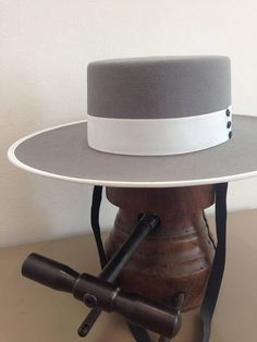 Spanish style – Mediterranean Home Decor Felt Cowboy Hats, Cowgirl Hats, Western Hats, Cowgirl Style, Western Wear, Spanish Hat, Spanish Style, Fancy Hats, Cool Hats