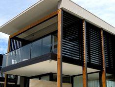27 ideas for the balcony privacy screen ideas for vertical gardens # balcony # the # … - Balkon Ideen 2020 Retractable Screen Door, Wooden Screen Door, Diy Screen Door, Balcony Privacy Screen, Balcony Railing, Privacy Screens, Screened In Deck, Outdoor Privacy, Railing Design