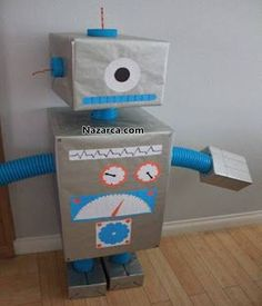 buyuk-kutulardan-yapilan-robot