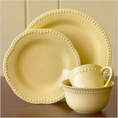 pretty-pastel-yellow-dishes