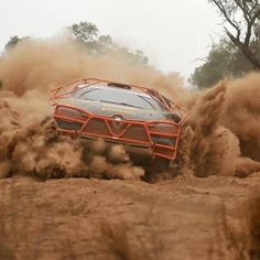 """WEBSTA @ renault_portugal - Um """"simples"""" Renault Clio preparado para ralis europeus desafiou o Rally del Chaco, uma das mais duras provas do mundo e venceu todos os desafios#RenaultClio #Renault #RenaultSport #ClioRS #Rally #Rallye #racing #motorsport"""