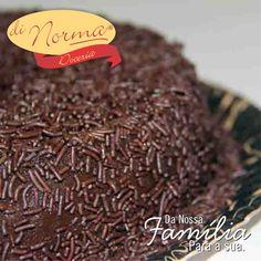 Brigadeirão Di Norma: Saboroso doce de brigadeiro com granulados.  #love #DiNorma #chocolate #curta #siga e #compartilhe