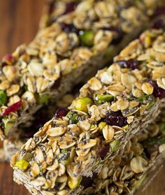 These Cranberry And Pistachio Granola Bar And Peanut Butter Energy Bar Recipes Are Delicious (@Moray Mair)