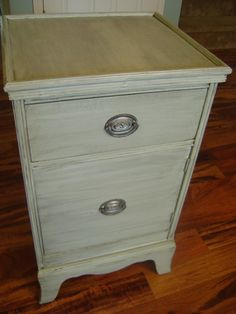 Color wash tutorial on nightstand - base paint is Silver Sage, Americana Glazing Medium mixed with Silver Sage and another with Behr's Black Suede - gives a two toned weathered look Deck Furniture, Furniture Hardware, Repurposed Furniture, Painted Furniture, Furniture Ideas, Chalk Paint Colors, Diy Deck, Distressed Painting, Diy Painting