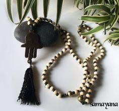 Japa Mala Rosario Budista con Dije Mano Hamsa 06. 108 por Samayana, $26.50