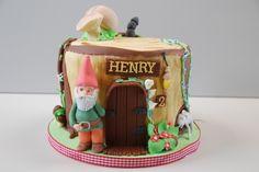 What a cute cake!