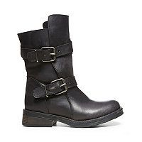 OMG LOVE these, Steve Madden $149.99. Of course I could never afford them but they are so pwetty! -SG