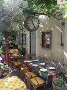 à table ! - Saint-Remy-de-Provence, Provence-Alpes-Cote-dAzur