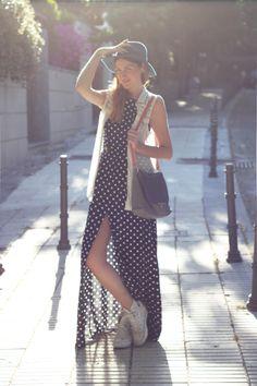 "Rocío de ""Sigue Mi Estilo"" con vestido largo de @Dolores Promesas Dress With Converse, Sunny Days, My Style, Skirts, Outfits, Dresses, Fashion, Long Gowns, Polka Dots"