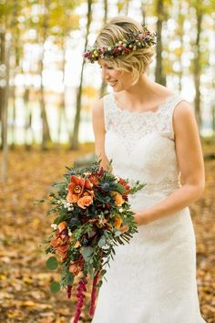 Cascading autumnal bouquet paired with a berry-studded floral crown | Photo by Rachel Peters | Floral design by Prestige Floral Design