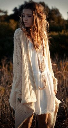 i would like to own that sweater, please!  & do my hair like that while i'm at it.