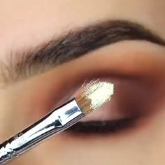 Top rated volume mascara According to Celebrity Makeup - Style My Hairs Makeup 101, Eyebrow Makeup, Makeup Tools, Skin Makeup, Makeup Inspo, Makeup Inspiration, Beauty Makeup, Beauty Tips, Avon Products