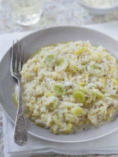 Risotto with leeks risotto aux poireaux+ Veggie Recipes, Vegetarian Recipes, Cooking Recipes, Healthy Recipes, Healthy Food, Risoto Vegan, Salty Foods, Food Inspiration, Salads