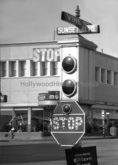 LOS ANGELES / HOLLYWOOD: Traffic light at Sunset and Vine, 1942.