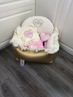 Custom Car Seats, Dog Car Seats, Custom Cars, Bed Measurements, Small Pillows, Cozy Bed, Pet Names, Baby Dogs, Dog Harness
