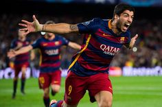 Luis Suarez of FC Barcelona celebrates after scoring his team's second goal during the UEFA Champions League Group E match between FC Barcelona and Bayern 04 Leverkusen at Camp Nou on September 29, 2015 in Barcelona, Catalonia.