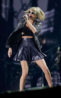 Taylor Swift kicks off the Australian leg of her 1989 tour in Sydney Leggy: The lithe American singer put her enviable figure on display in a range of barely-there costumes All About Taylor Swift, Taylor Swift Concert, Taylor Swift Hot, Taylor Swift Quotes, Taylor Swift Style, Taylor Taylor, Trending Celebrity News, Celebrity Style, Divas