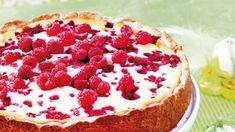 Uunissa kypsennettävä vadelma-sitruunajuustokakku on suussa sulava ja raikas jälkiruoka tai kahvipöydän herkku.