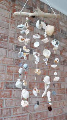 Seashore Wind Chime | Easy Hanging Backyard Projects by DIY Ready at http://diyready.com/easy-backyard-projects/